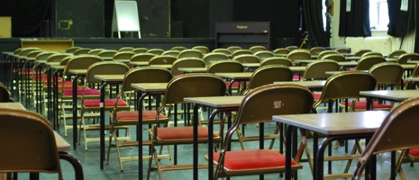 essay examination hall English coursework by sanamdeep aujla describe an exam room i entered the room at nine forty five as the exam papers were handed out.